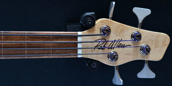 Rob Allen Mouse Maple 30 fretless four string bass
